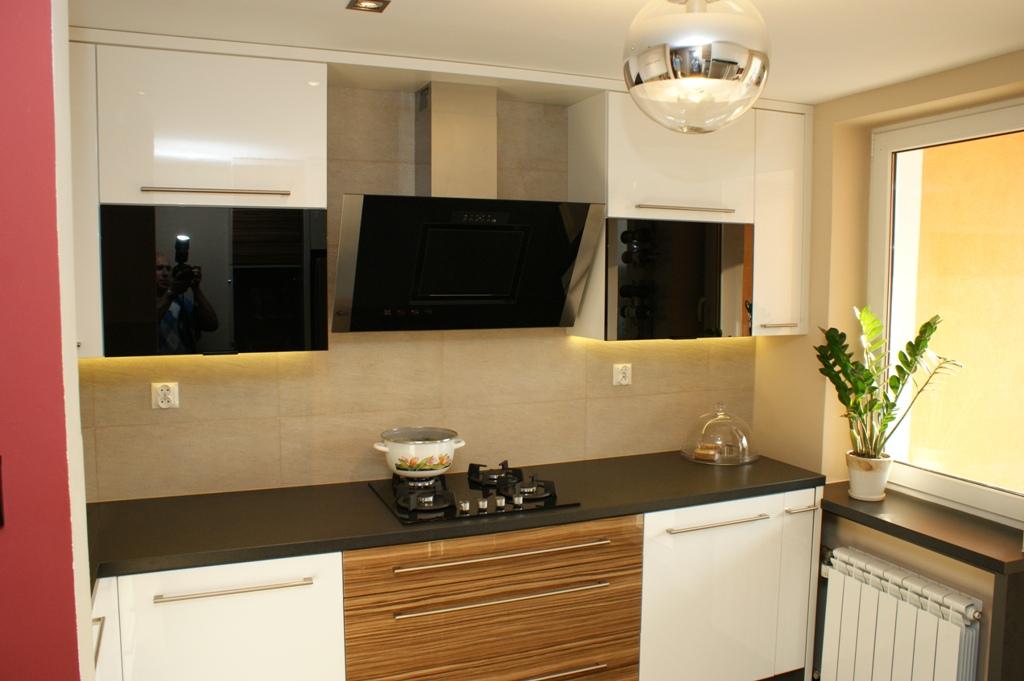 Biała kuchnia w bloku  Wistolm  Nowoczesne kuchnie na   -> Kuchnia Pod Zabudowe W Bloku