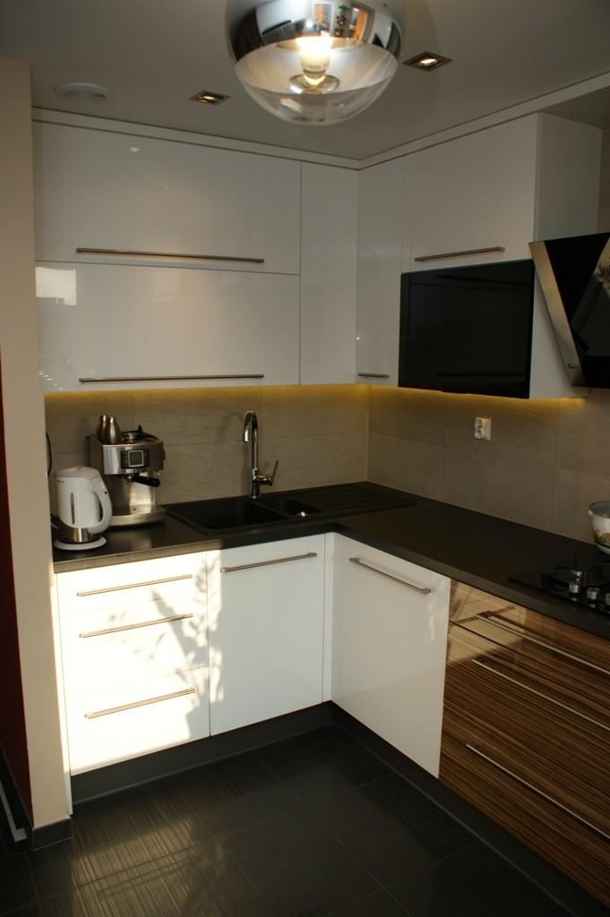 bia�a kuchnia w bloku wistolm nowoczesne kuchnie na