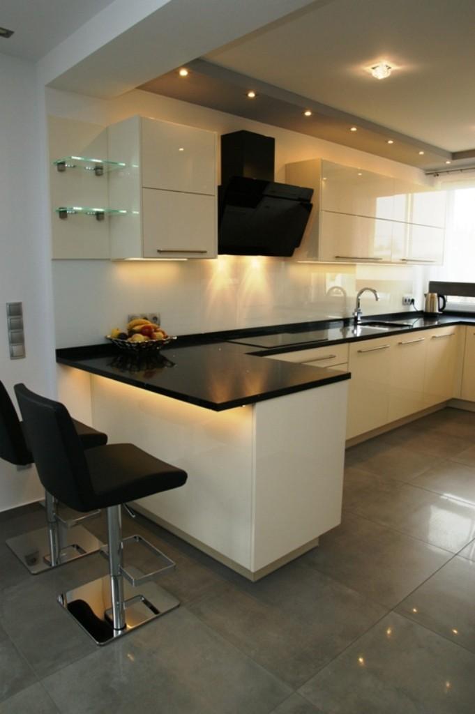 bia�a kuchnia z p243�wyspem wistolm nowoczesne kuchnie