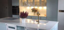 Klasyczna pastelowa kuchnia